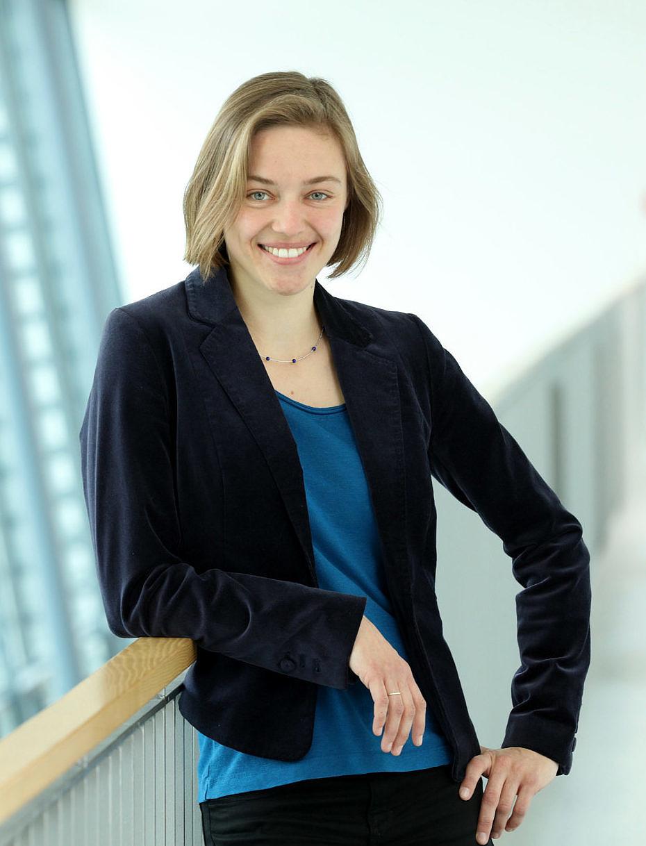 Dr. Julia Böttcher